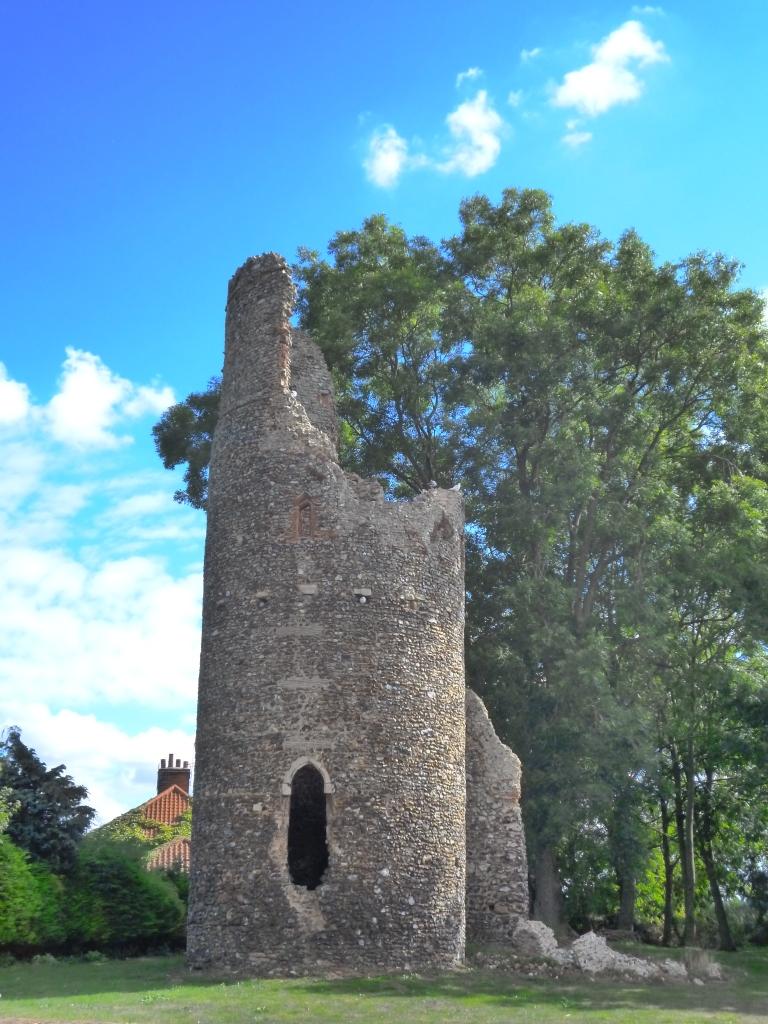 Ruin of St Mary's church, Kirby Bedon, Norfolk